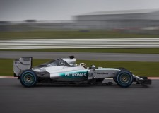 VIDEO | Mercedes AMG lift covers on W06 Hybrid F1 2015 Challenger