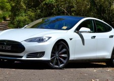 Tesla Model S – Flying the Electric Vehicle Flag