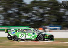 V8SC | Whincup then Winterbottom fastest in Tasmania