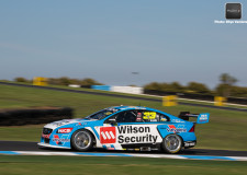 V8SC | McLaughlin sets the pace at the Island