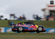 Rain greets V8Supercars teams in Perth