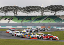 Wall too Hot in Sepang Heat for Porsche Carrera Cup