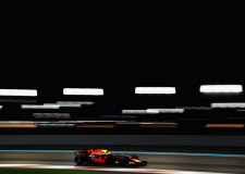 Verstappen struggles with Ferrari traffic in Abu Dhabi